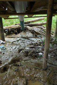 スラムのトイレの構造
