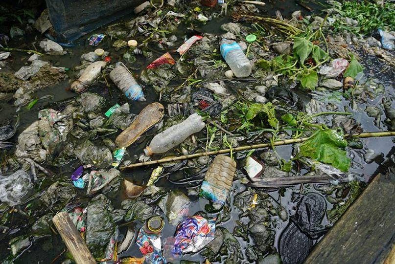 スラムのゴミ