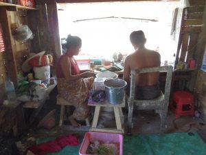 ミャンマー、噛みタバコ屋の中