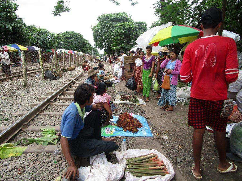 ダニエゴン市場