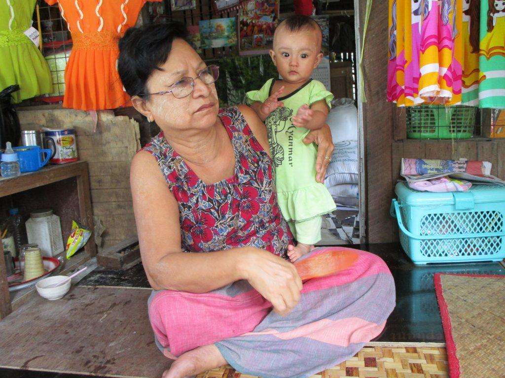 ミャンマーの仕立屋の女主人