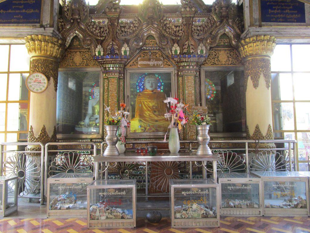 ミャンマーのパゴダ
