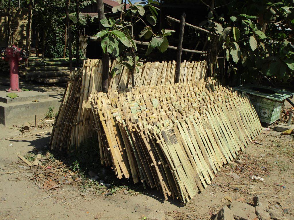 ミャンマーの家の建築資材