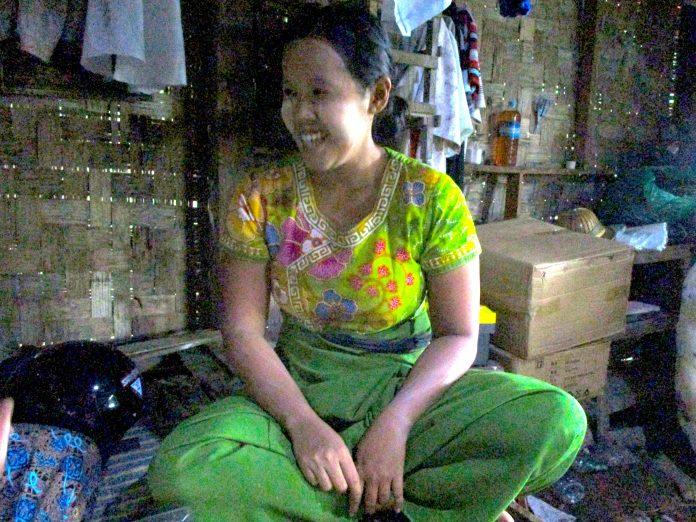 ミャンマー人女性