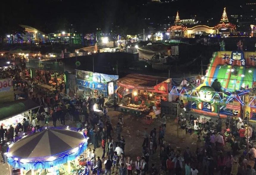 ミャンマー-お祭り