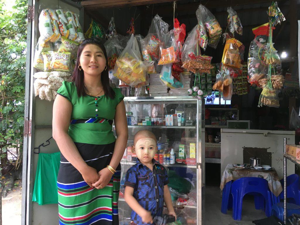 ミャンマーの商店