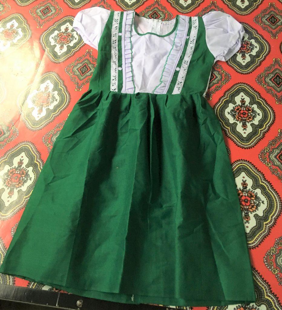 ミャンマーの制服